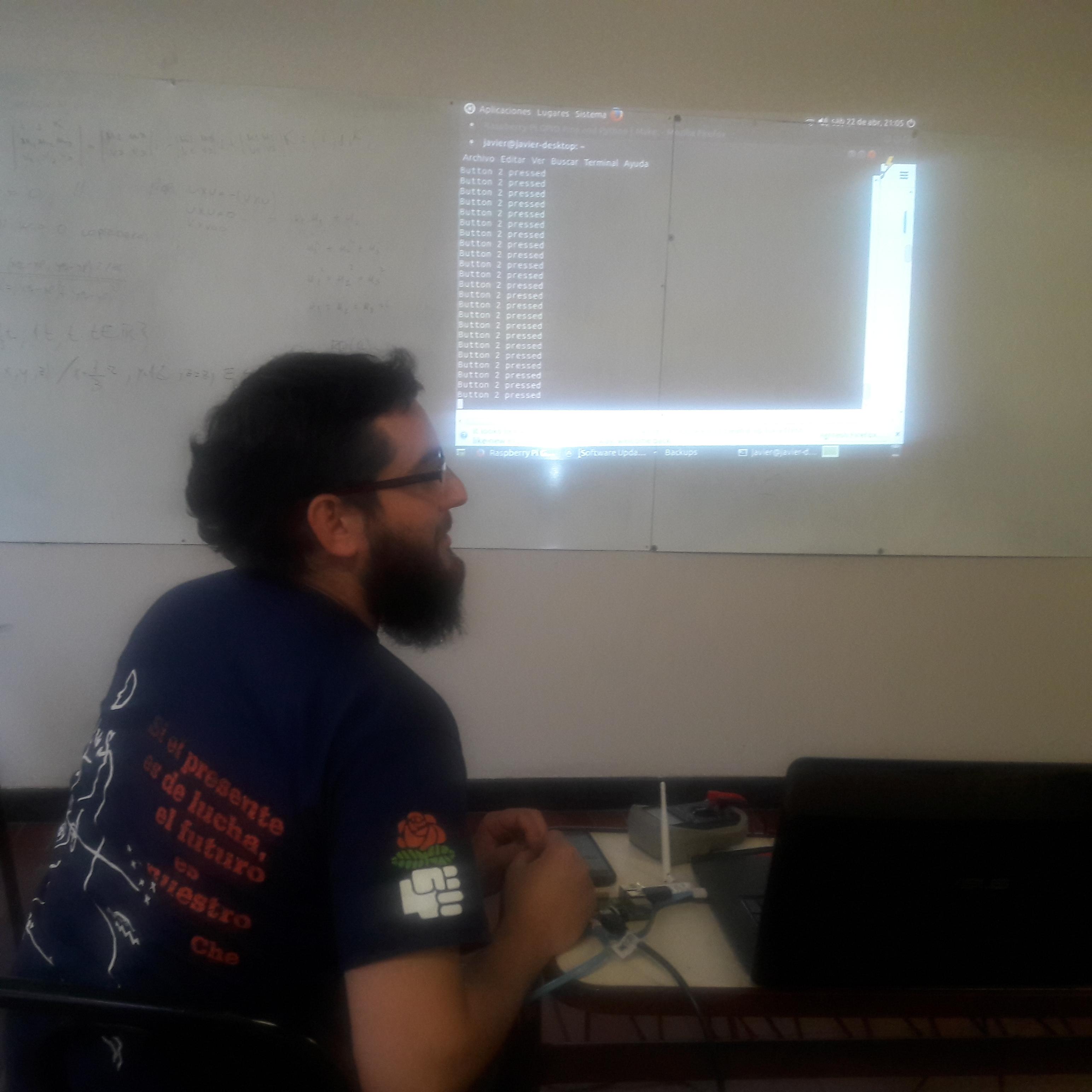 Jugando con Raspberry PI en la FLISoL 2017