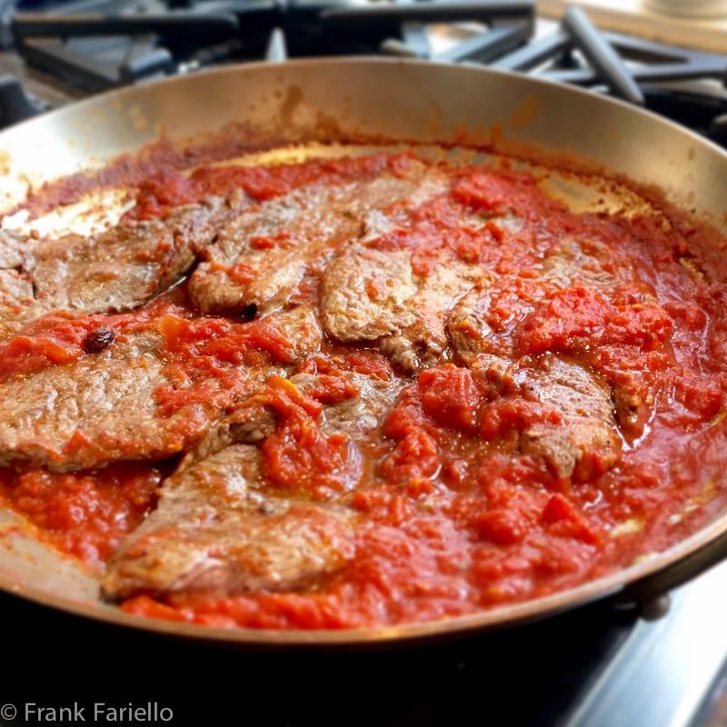 """Carne alla pizzaiola (""""Pizza-Maker's"""" Beef)"""