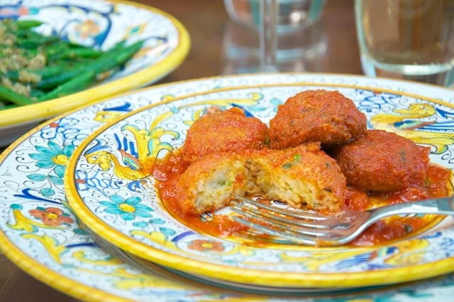 Pallotte cacio e uova (Cheese and Egg Balls)