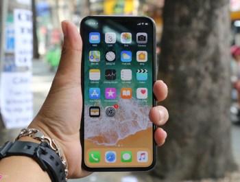 iPhone X đầu tiên về Việt Nam, giá 68 triệu