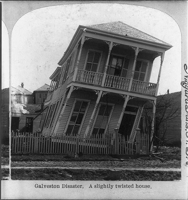 a slightly twisted house.  October 15, 1900.