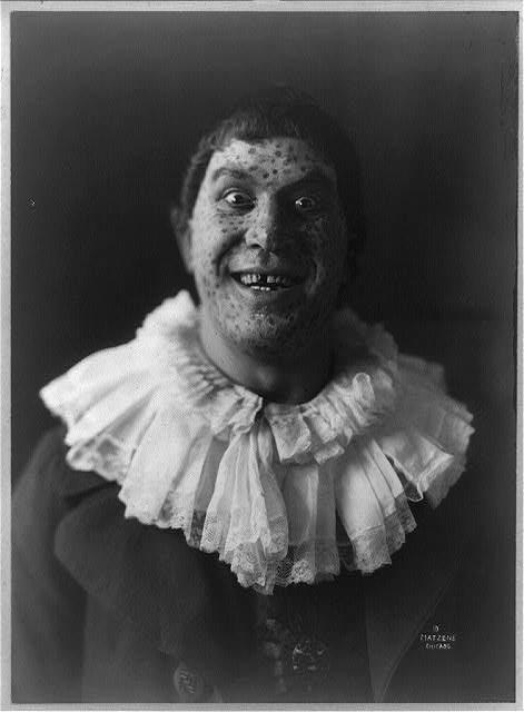 Titta Ruffo, as a clown, circa 1913.