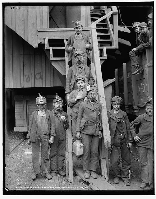 Breaker boys, Woodward Coal Mines, Kingston, Pennsylvania.  Circa 1900