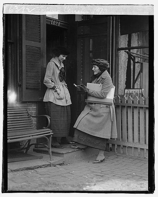 Taking census, 1920