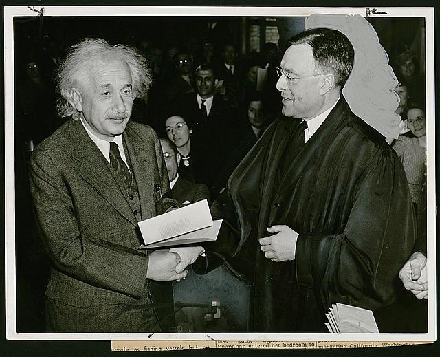 America gains a famous citizen / photo by Al. Aumuller.  1940 Oct. 1