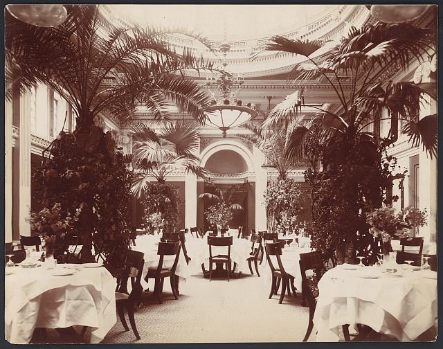 Willard Hotel - dining room (circa 1910)