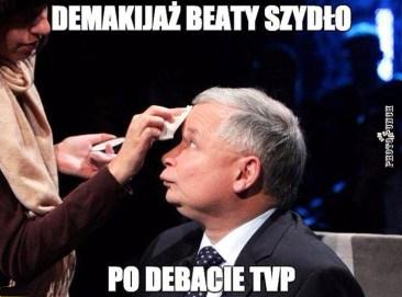 demakijaz-beaty-szydlo-po-debacie-tvp