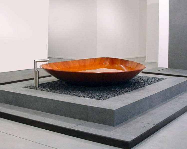 Wooden Bathtub Ocean shell