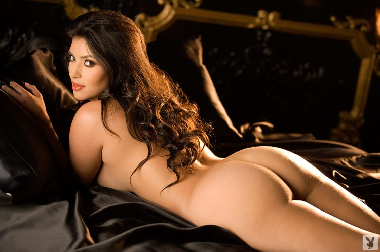Kim-Kardashian-naked-ass 1024