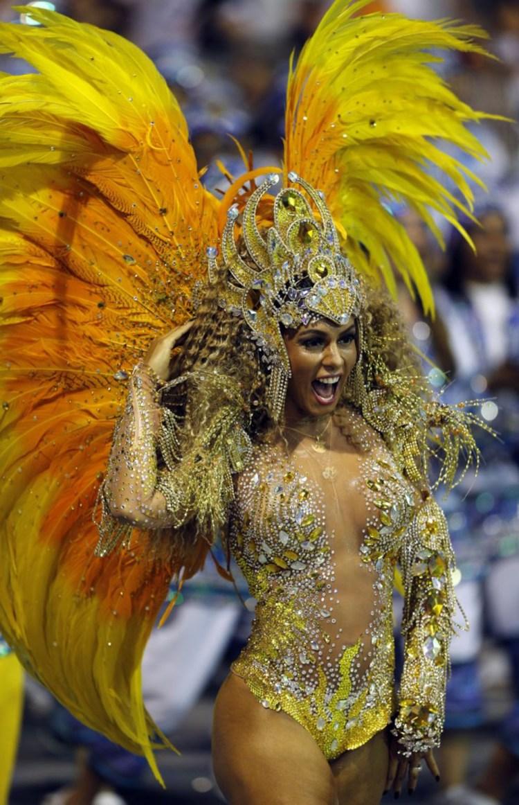 reveller-aguia-de-ouro-samba-school-1000x