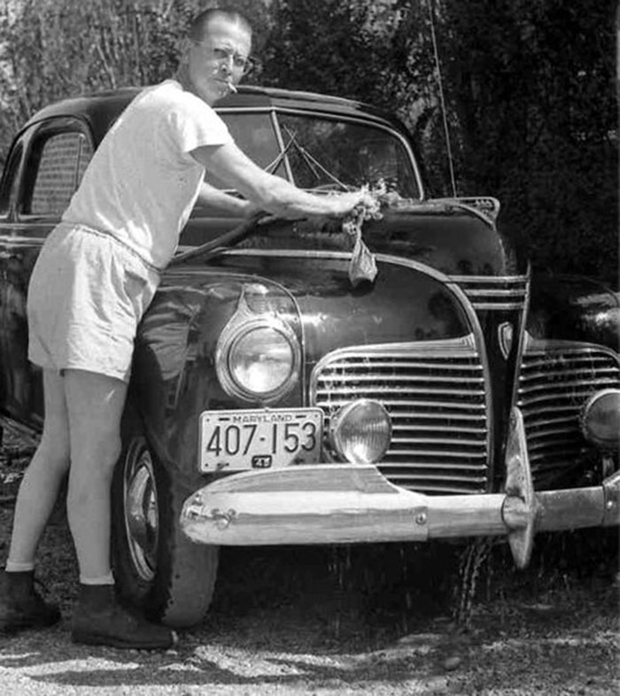 Old Man Washing Car 700x