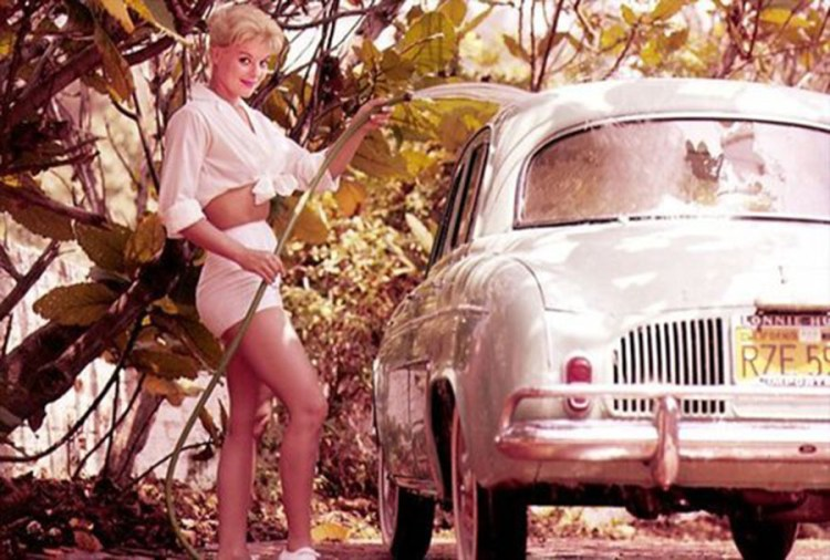Vintage Girl car washing 900x