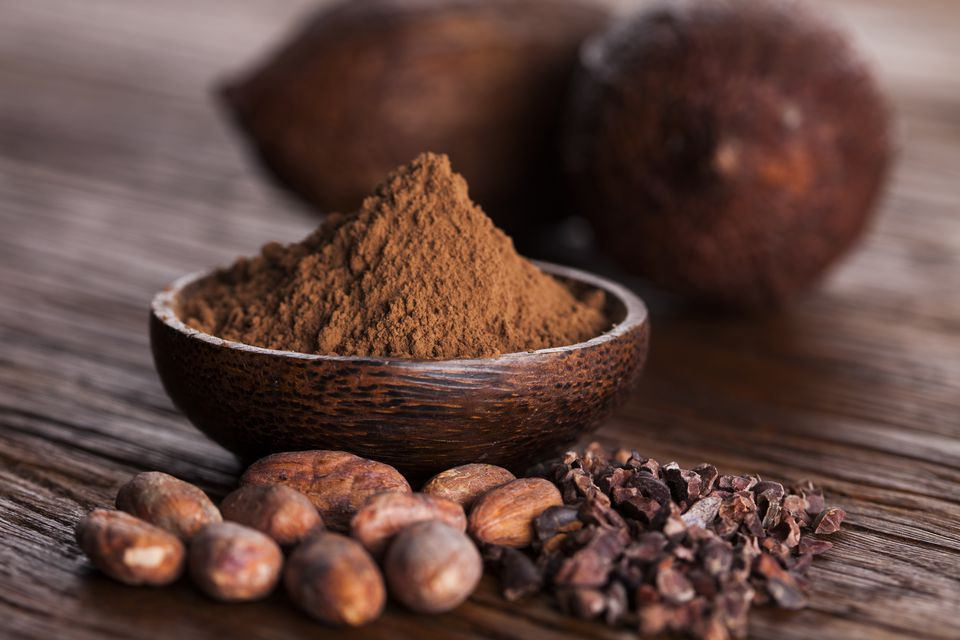 cacao-beans-and-powder-and-food-dessert-background-613233250-5acedc8d18ba01003711a302