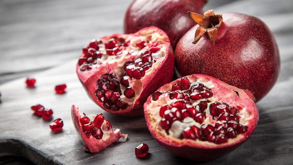 Pomegranate aromatase MenElite