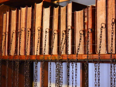 wimborne-minister-chained-library