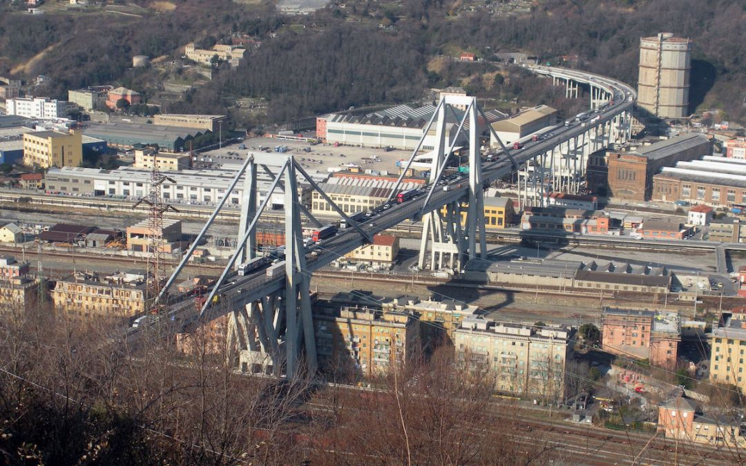 Why did the Genoa bridge collapse?