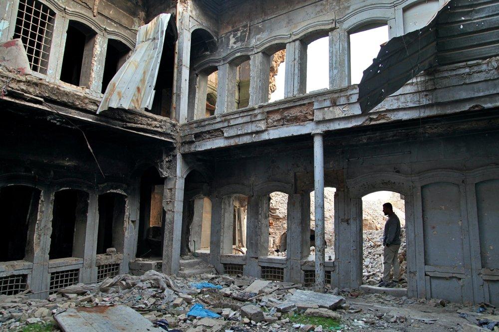 Iraqis slowly rebuild Mosul