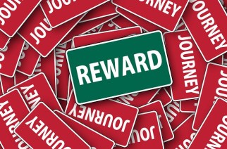 How Year End Awards Increase Your Employees' Morale And Productivity