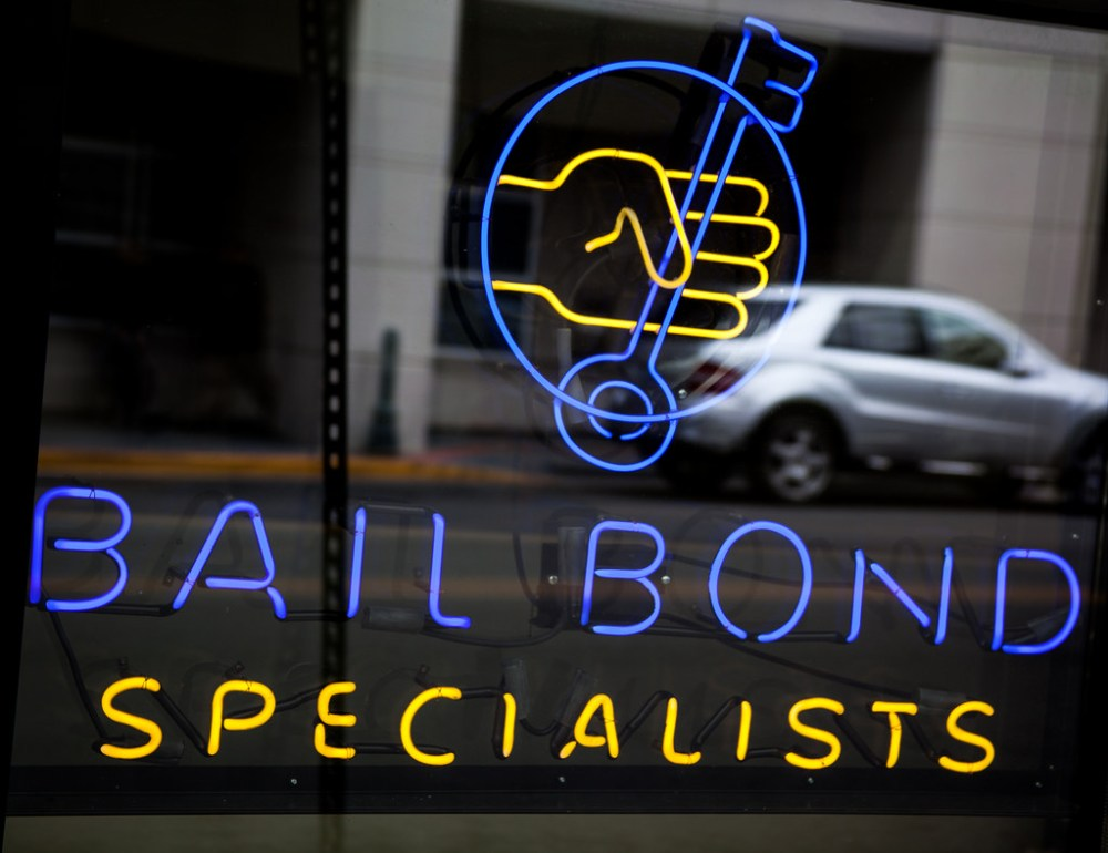 Here's How to Choose the Reliable Bail Bondsmen