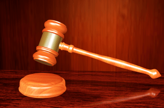 How Hiring A Medical Malpractice Lawyer Can Help You Claim The Compensation