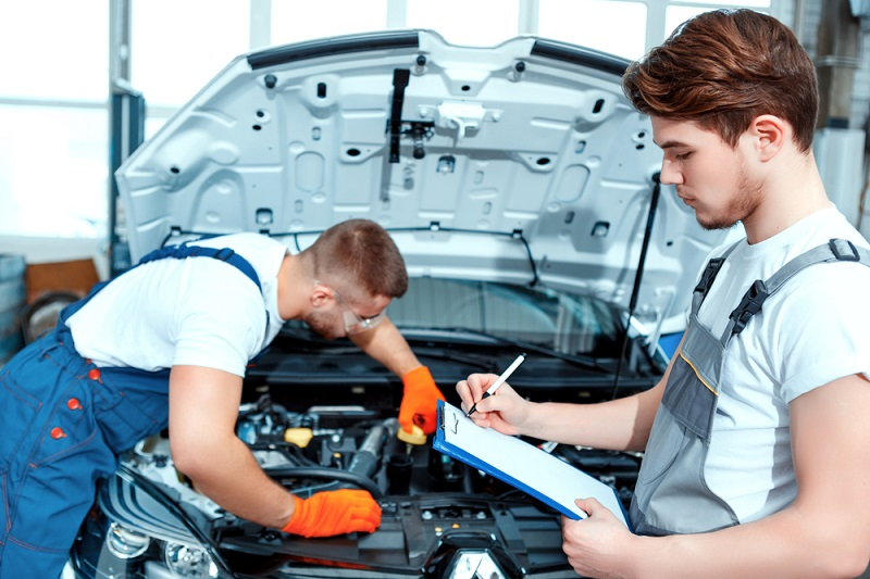 Requirement of Simple Mechanics in Minor Car Service