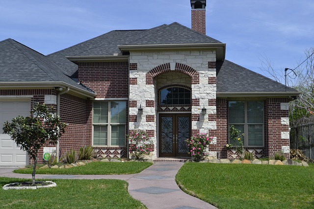 How to Choose the Right Company to Pave Your Patio and Driveway