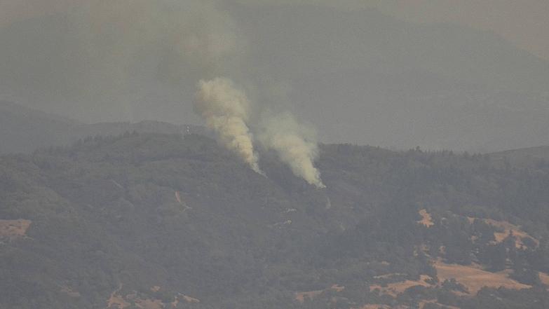 Two smoke columns rising. [Screenshot from AlertWildfire]
