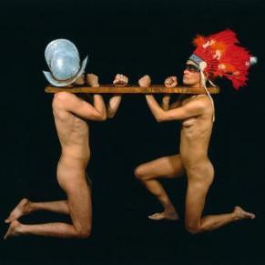 Imagen_performances_artista_mexicano_Guillermo_Gomez-Pena