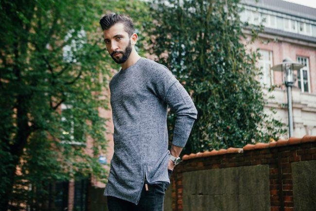 Angesagter grau melierter Longpullover von John Devin. Perfekt für jeden Street Look im Herbst oder Winter.