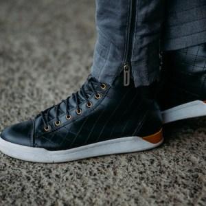 Geile schwarze Diesel High Top Sneaker aus Leder.