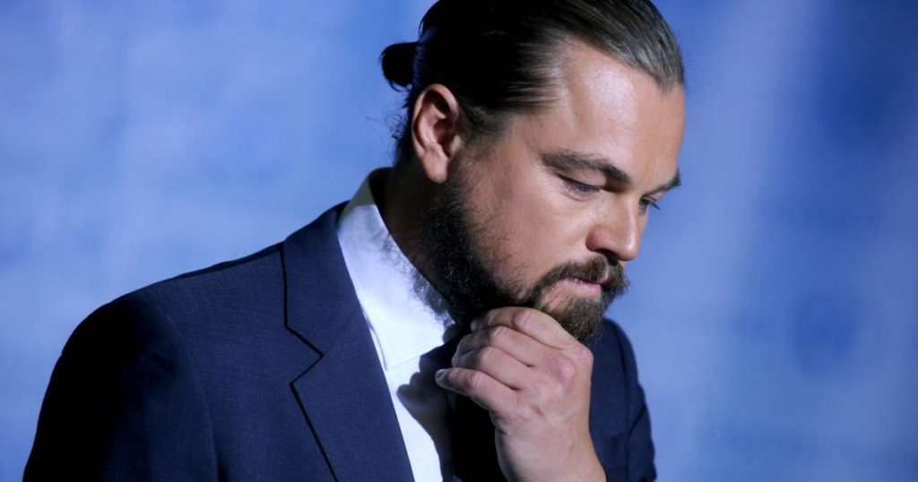 50 Inspirational Man Bun Hairstyle Choices