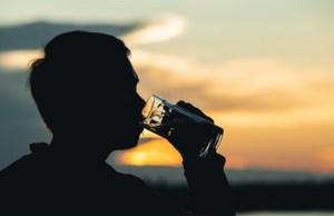 pijenje stojeci
