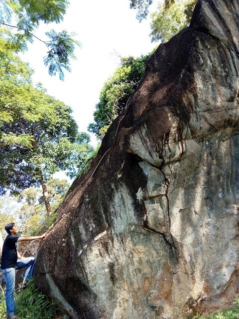 Lintasan Rock Climbing Debintan Villa.