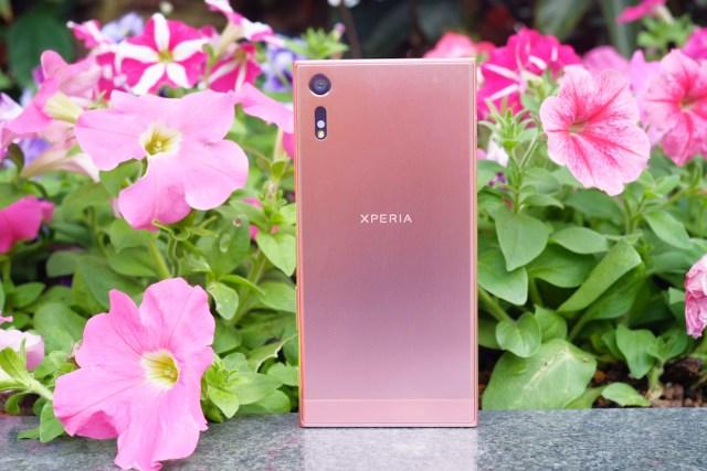 Xperia XZ 全新蜜粉色令人怦然心動。