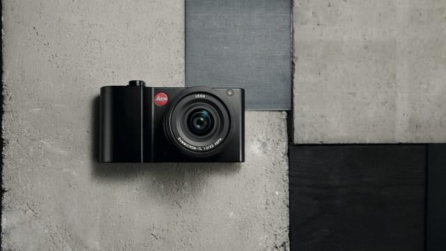 Leica TL2 有黑、銀色選擇,定價為港幣$16,600。