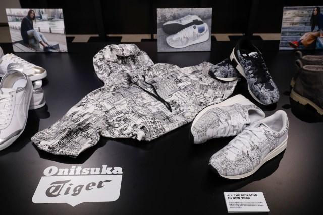 由知名設計師 Andrea Pompilio 操刀,採用插畫家 James Guliver Hancock 的作品「紐約建築」的圖案,設計出一系列鞋款及服飾,展現藝術與時尚的完美融合。