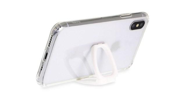 一如以往附送多功能掛線手環,除了能方便用家安全提取手機外,更可變身成小型開合式手機座