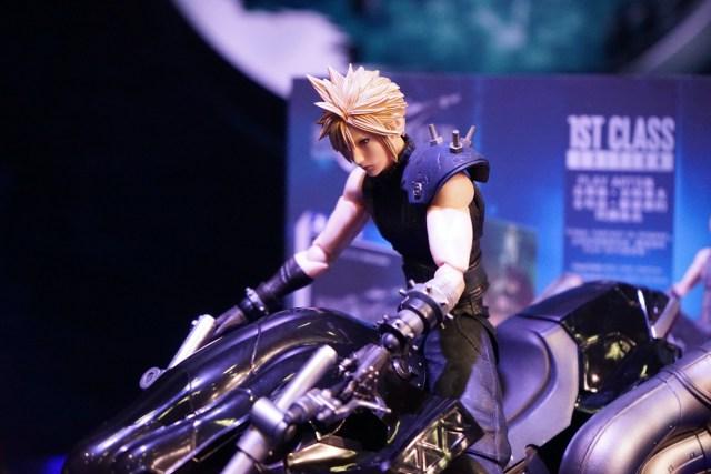 《FINAL FANTASY VII REMAKE》將會於 2020 年 3 月 3 日正式發售,「1ST CLASS EDITION」版本也會在近期開訂,請大家留意香港PlayStation的最新消息。