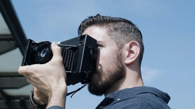 InstantKon SF70 目前已於 Kickstarter 進行集資,Super Early Bird 版本定價僅 HKD6,190,包括相機本體及將你自動加入成為「無限送菲林」的成員