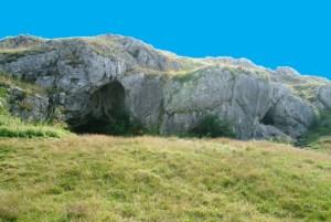 Offnett-höhle
