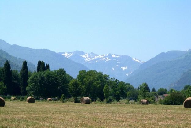 Tarascon ligger ved foden af Pyrenæerne