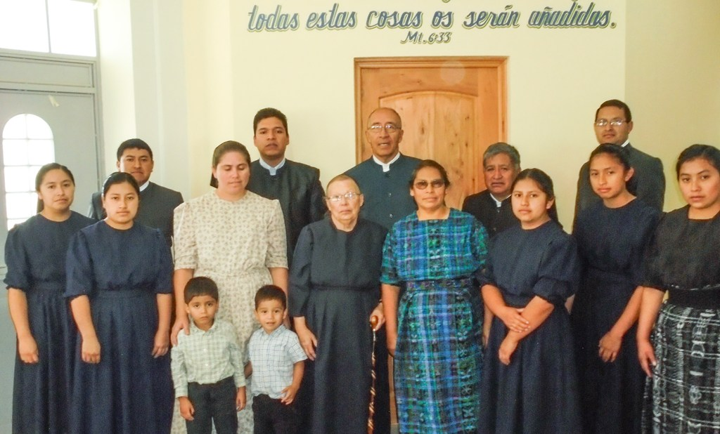 The newly received brethren with Victor and Anita Ovalle and Jeremias and Elida Mendez
