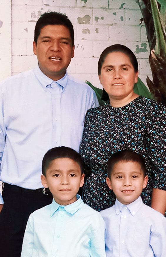 Jeremías and Elida Mendez with their sons Andrés and Silas. September 11, 2010