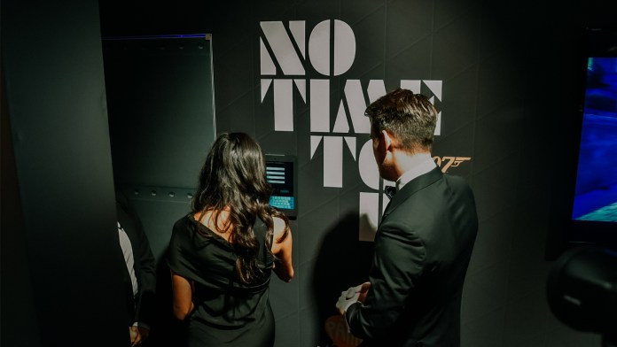 The James Bond Experience Utrecht CS geopend door Anna Nooshin