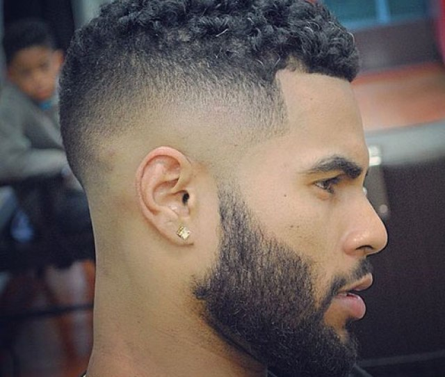 A High Top Taper Belongs To The High And Tight Hairstyle Family It Is Similar To The Classic Mohawk But Is Closer To The Classic Fade