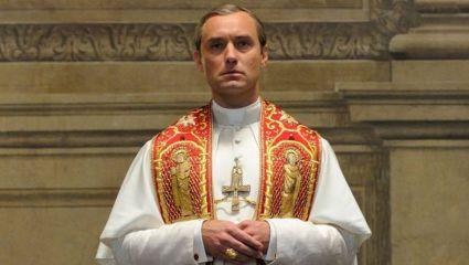 Γιατί η σειρά με τον Πάπα είναι τεράστια παπάτζα!