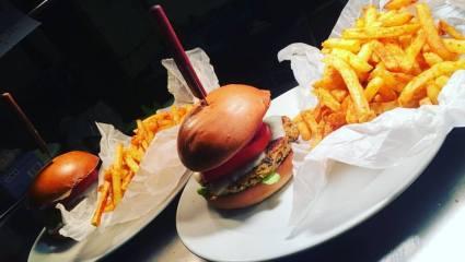 Το HOPS beer n burgers αξίζει όλο τον ντόρο