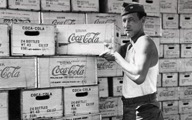 Η αρκούδα βρυχάται: Το μυστικό των 50 πρώτων μπουκαλιών της σοβιετικής Coca-Cola (Pics)