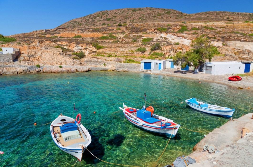 Διάφανα νερά, άδειες παραλίες: Το παρθένο νησί που αν διαφημιζόταν θα 'χε ξεπεράσει και τη Μύκονο (Pics)