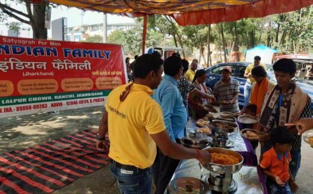 Men's Right Activist offering free food